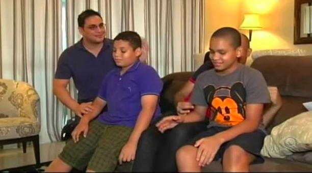 Pastores gays adotam crianças - Band